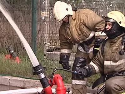 """Масштабный пожар в краснодарском """"Шинном центре"""" потушен"""