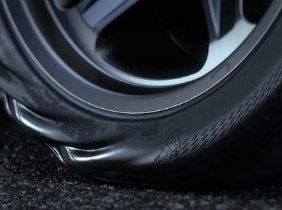 Знаменитые шины Dodge Challenger Demon оказались чересчур широкими и хрупкими