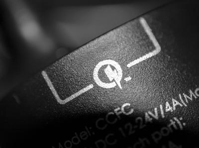 Qualcomm Quick Charge 4+ зарядит смартфоны быстрее и безопаснее