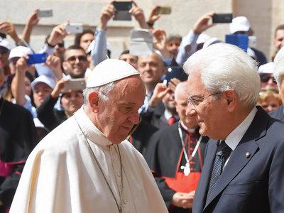 Папа Франциск подарил Маттарелле русскую икону