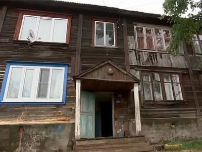 Путин проверил аварийный дом в Ижевске, на который жаловалась его жительница