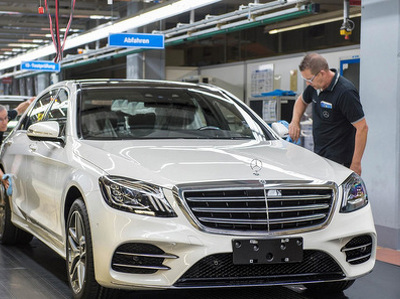 Mercedes-Benz S-класса самостоятельно уехал с завода