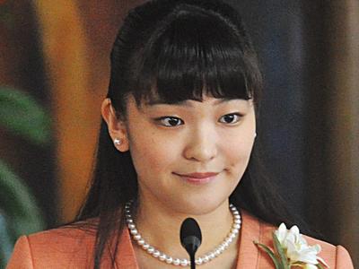 Японская принцесса из-за наводнений отложила помолвку