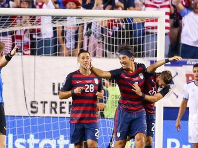 Футболисты Сальвадора покусали соперников из США
