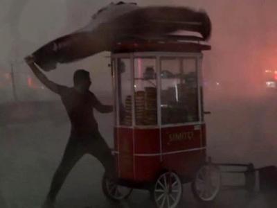 На Стамбул вновь обрушилась стихия