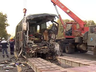 Автобус влетел в грузовик: 6 погибших, 10 пострадавших в тяжелом состоянии