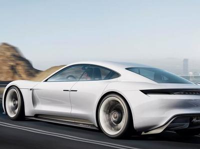 """""""Ответ Tesla"""" от Porsche впервые засняли во время испытаний"""