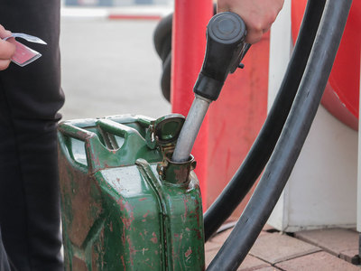 Эксперты: цены на бензин в 2018 году могут превысить 50 рублей