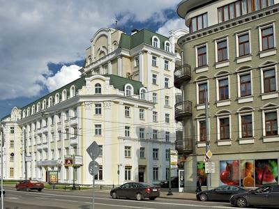 Самая дорогая съемная квартира Москвы подешевела