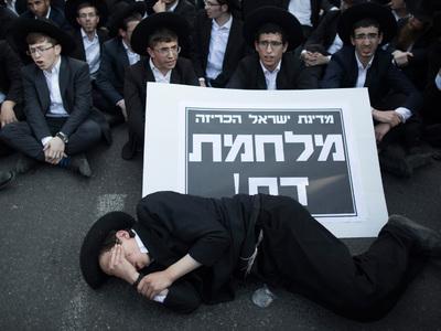 Ортодоксальные евреи устроили в Иерусалиме протест против призыва в армию