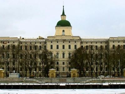 Компания Геннадия Тимченко хочет купить комплекс зданий за 10 млрд