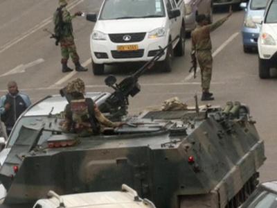 Военные остановили протестующих на подходе к резиденции Мугабе