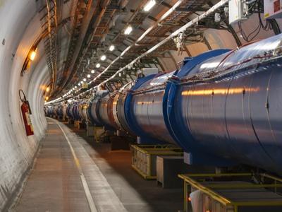 Большой адронный коллайдер достиг рекордной светимости