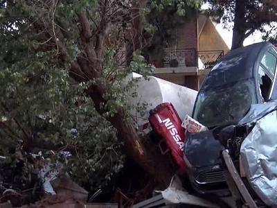 В Греции объявлен траур по погибшим от наводнения