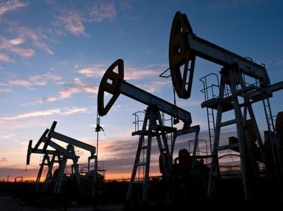Эр-Рияд: переизбыток нефти сохранится в марте 2018 г