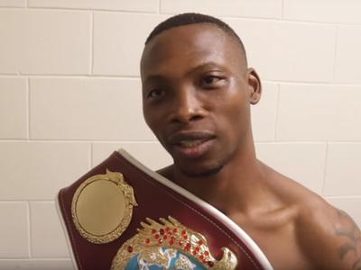Боксер Золани Тете отправил соперника в нокаут за рекордные 11 секунд