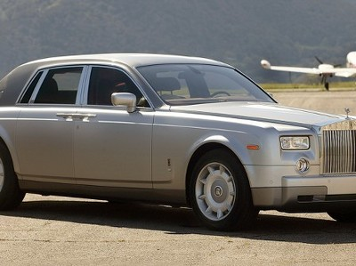 В России взлетели продажи роскошных машин