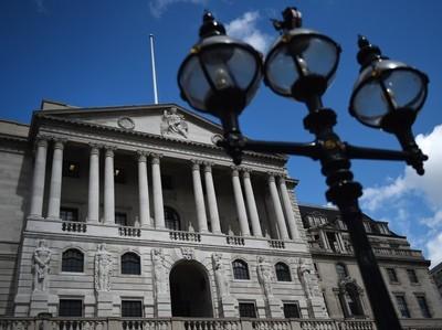 Банк Англии сохранил ставку на уровне 0,5%