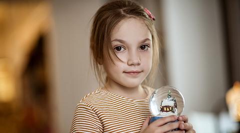 Нужна помощь: Арину Евсеенко спасет прибор для откашливания и лекарство