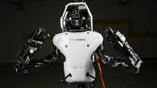 Модифицированный робот Atlas будет час работать автономно от литиево-ионной батареи