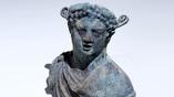 Фигурка бога Диониса.