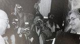 Елена Боннэр вручает Витторио Страда премию А.Д. Сахарова, Рим 1982 г.