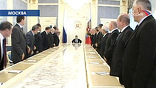 Это был редкий случай, почти исключение – аппарат Совета безопасности России собирается в зале, где столько телекамер