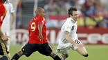 В серии пенальти более удачливыми оказались испанцы – 1:0 (фото ї EPA)