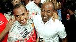 """Новым чемпионом мира по автогонкам в классе машин """"Формула-1"""" стал британец Льюис Хэмилтон из команды McLaren-Mercedes їEPA"""