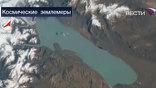 Из космоса наша планета выглядит по-другому. Даже маленькие речушки и озера, как люди, не похожи друг на друга, у них и цвет воды разный