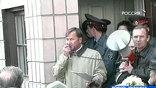 Известный националист и сторонник раскола Червоный разразился площадной бранью в адрес Патриарха, сквернословил и грозил устроить провокации во время его визита на Украину.