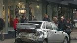 По мнению страховщиков, судиться сегодня - это вообще единственное правильное решение, потому что положенная выплата по ОСАГО в 160 тысяч рублей на всех, пострадавшим не покроет даже десятой части ущерба