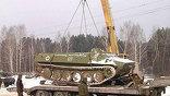 Военные приступили к срочному вывозу танков из Свердловских лесов