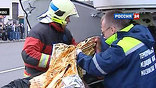 """Сразу два взрыва произошли сегодня в московском метро в утренний """"час пик"""". Бомбы сработали в поездах на самых оживленных станциях – """"Лубянка"""" и """"Парк культуры"""". Известно как минимум о 37 погибших, более 40 - ранены."""