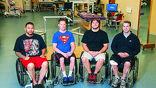 Добровольцы Эндрю Мис, Дастин Шиллкокс, Кент Стивенсон и Роб Саммерс перед участием в испытаниях