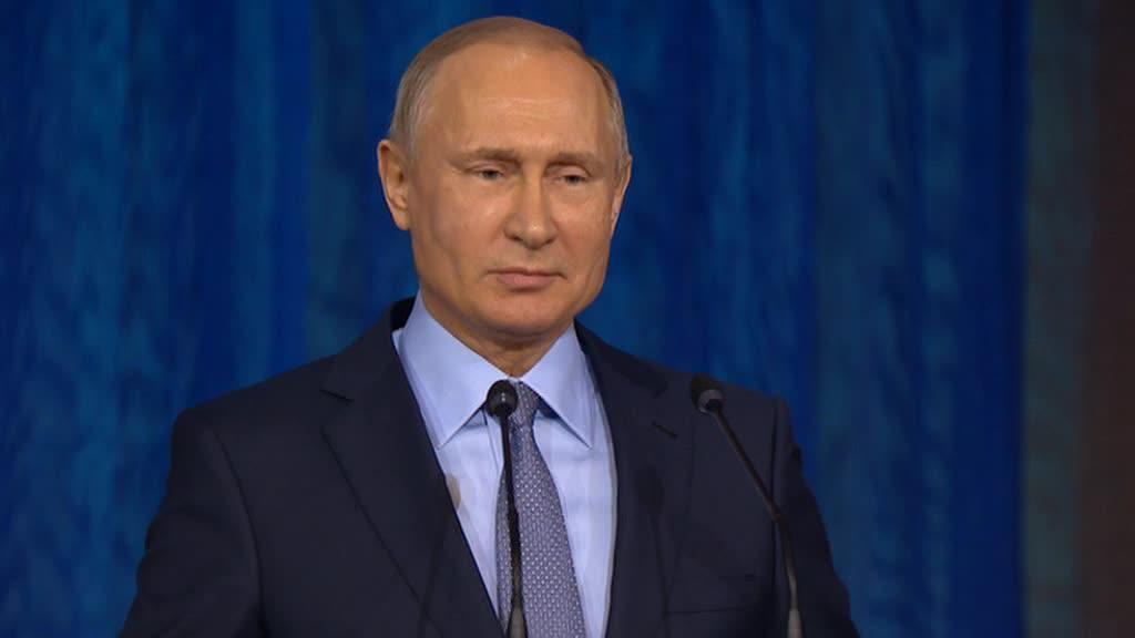 Песков: Путин абсолютно здоров и даст фору многим