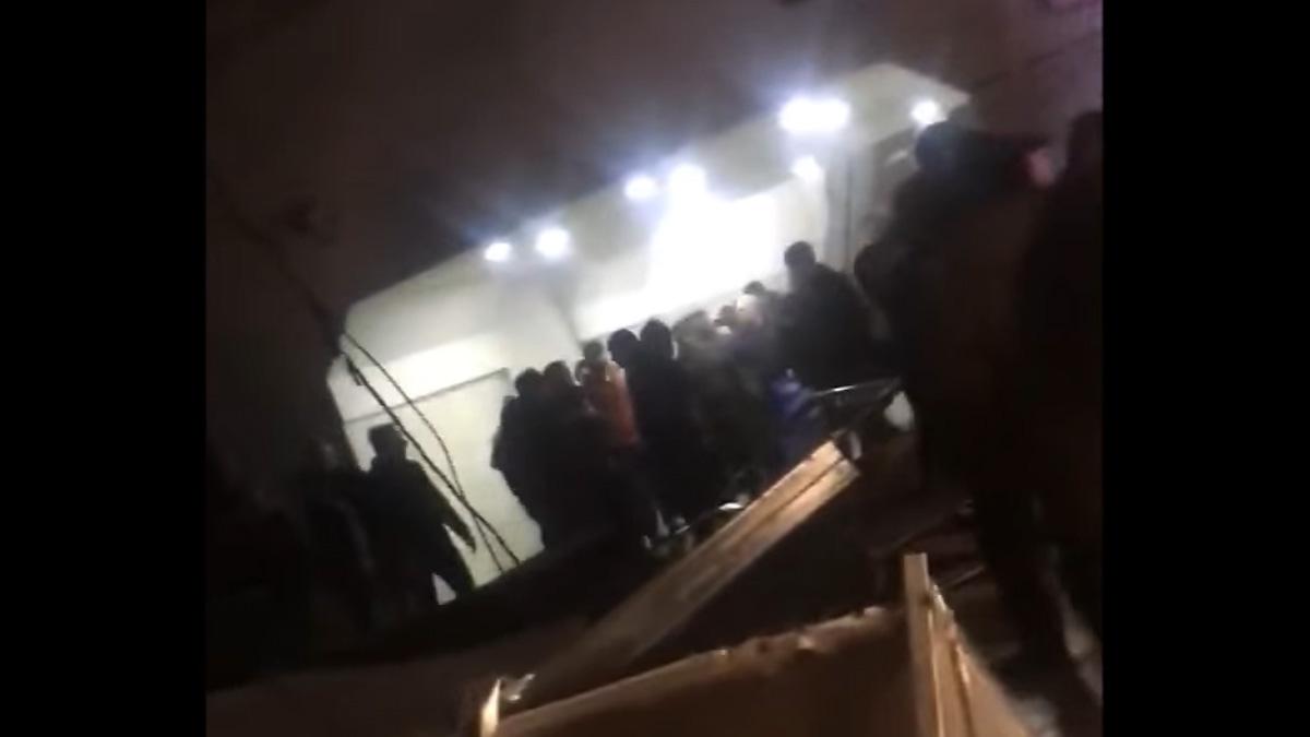 В результате обвала части потолка на станции тбилисского метро достигло 14 человек