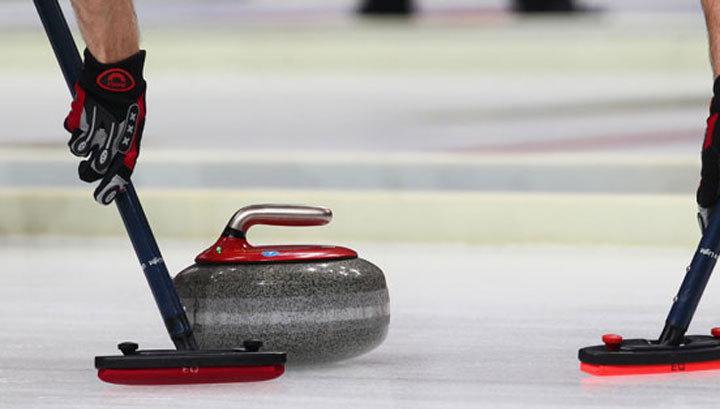 Российские керлингисты расправились с итальянцами на чемпионате Европы