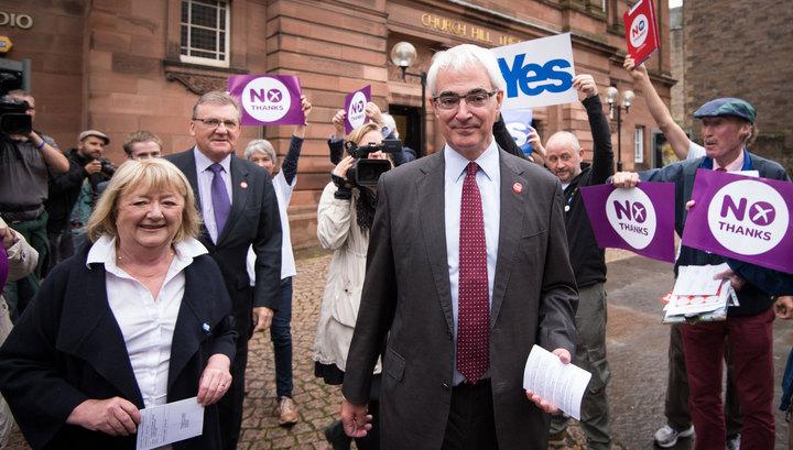 Референдум в Шотландии: данные эксит-поллов пока в пользу Британии