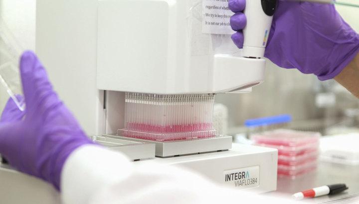 Испанский священник скончался от болезни, вызванной вирусом Эбола