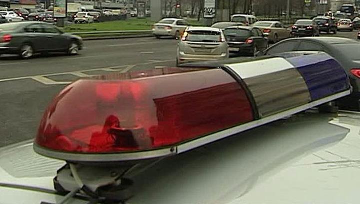 В Москве столкнулись полицейский автобус и грузовик