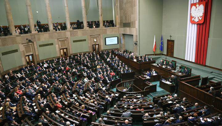 Польше грозят санкции ЕС за попрание судебной системы