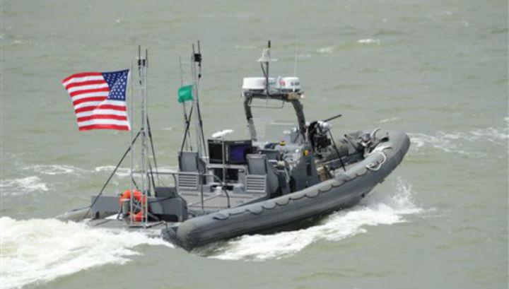 Беспилотные катера будут защищать суда от врагов на море