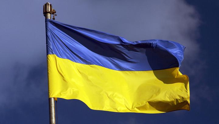 Порошенко пригрозил Донбассу украинским флагом