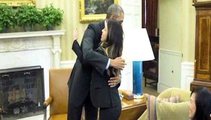 Храбрость против паники: Обама целовал медсестер, ухаживавших за больными Эболой