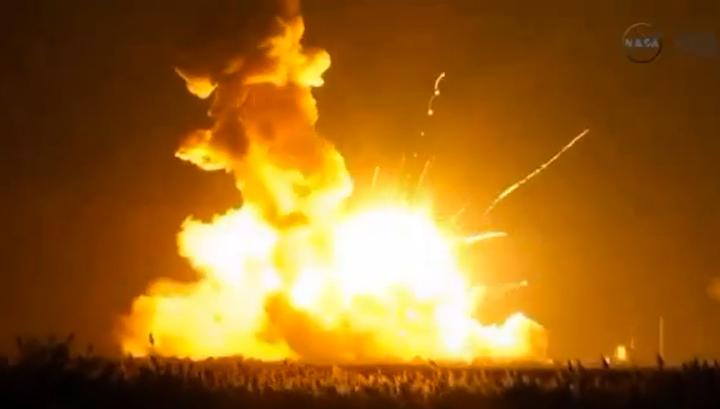 Взрыв сразу после старта: ракета Antares не смогла взлететь к МКС