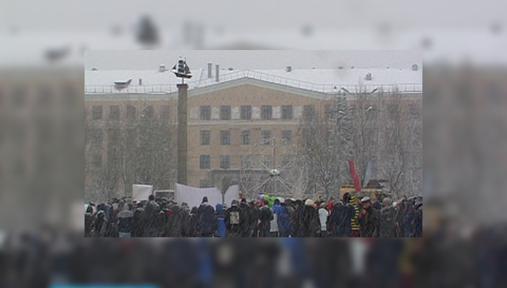 В Петрозаводске прошел митинг в защиту муниципальных троллейбусов