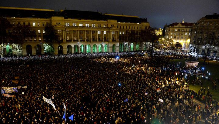 Венгрию захлестнула волна протестов против коррупции
