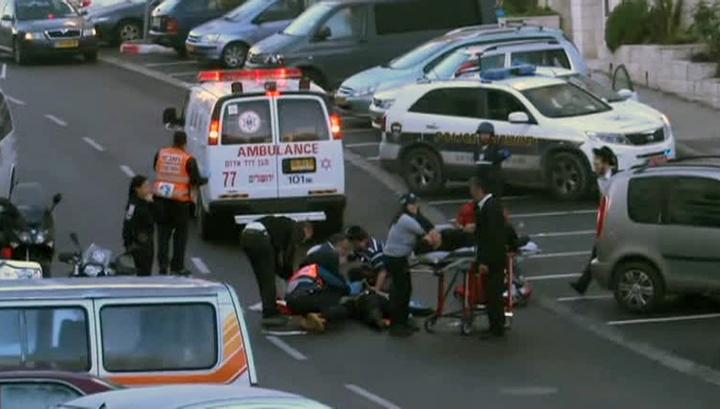 Четыре израильтянина убиты при нападении на синагогу