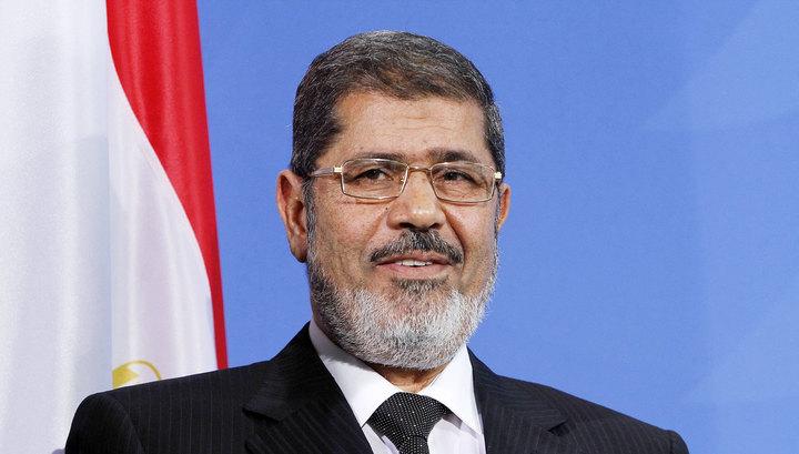Экс-президента Египта похоронили в каирском пригороде